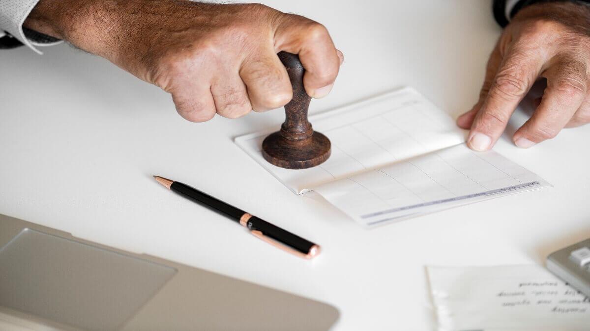 職災和解書漏洞百出,諮詢民事律師重新擬定,保障自身權益