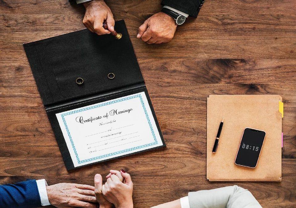 害怕結婚後離婚,怎麼保障婚姻生活?委請專業律師擬定「婚前協議書」