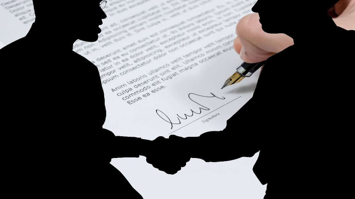 合約糾紛!網路行銷公司侵占廣告費,還反告契約不履行,委任民事律師答辯還清白