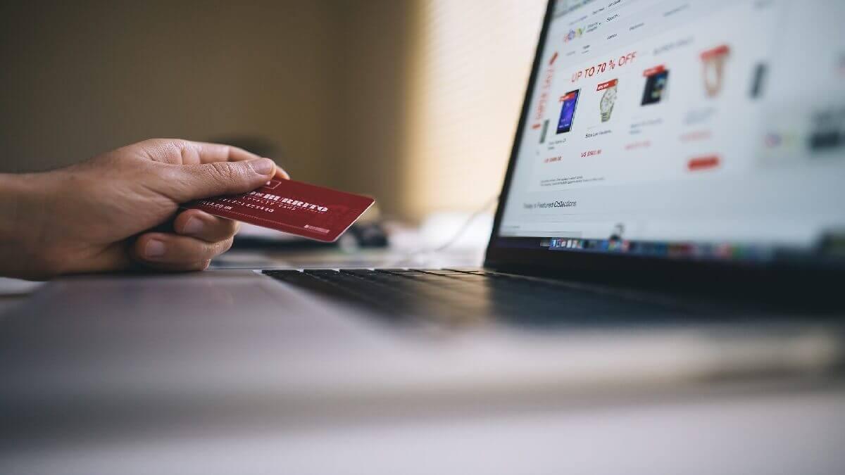 線上貸款,寄出提款卡密碼竟變人頭帳戶涉幫助詐欺罪,委任刑事律師爭取不起訴