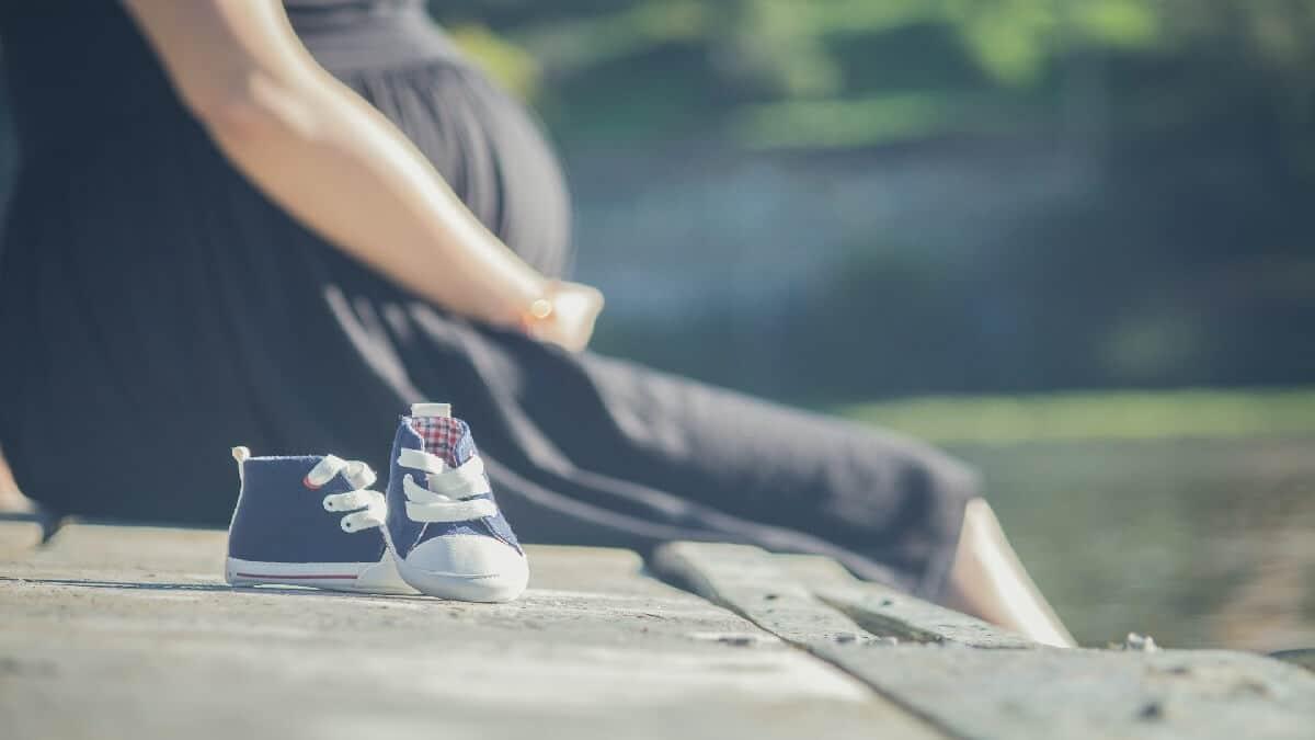 懷孕五個月拒性行為遭惡男友硬上,心冷聘律師告強制性交罪並求償100萬