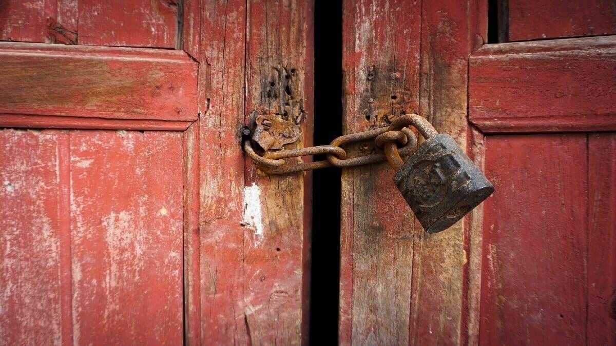 羈押、收押禁見如何接見當事人?