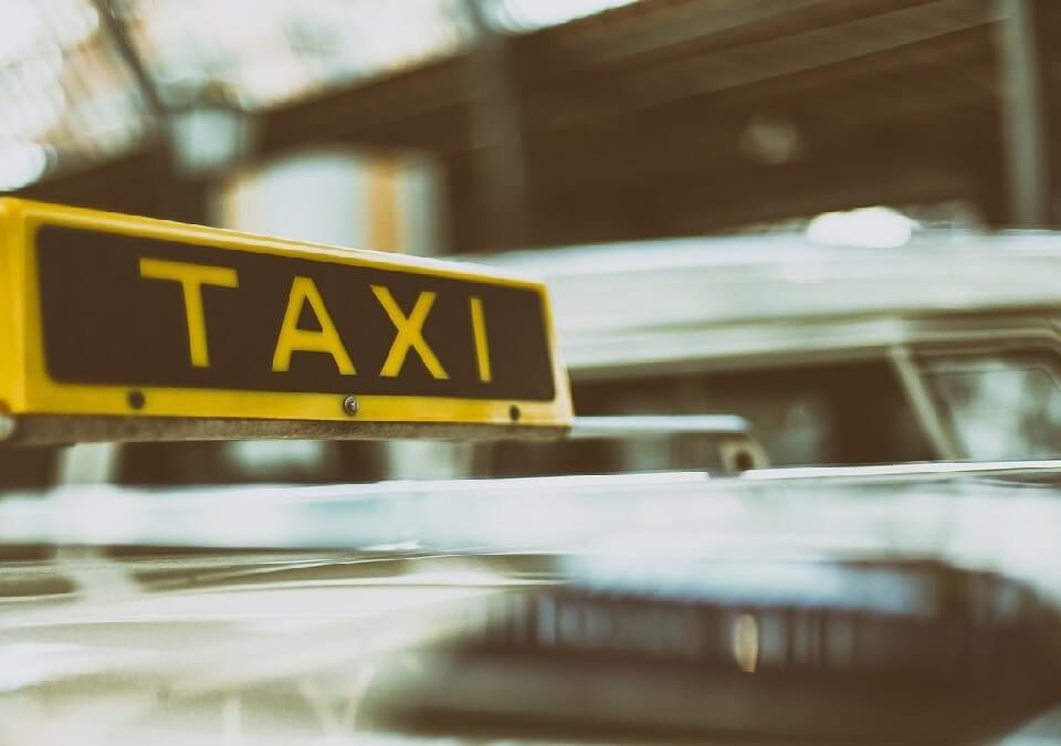 跑計程車竟被當「馬伕」接送小姐上下班,委請律師擺脫妨害風化罪嫌